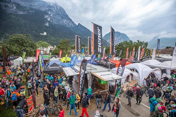 ziener bike festival Garda Trentino 2015 - Expo Area  XXX Honorarfreie Nutzung im Zusammenhang mit der redaktionellen Berichterstattung zum ziener bike festival riva del garda 2015, Kontakt: Oliver Kraus (Kraus PR),  +49 (0)178 1321656, o.kraus@kraus-pr.de XXX